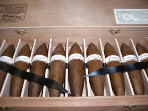 Cigar Overview: Elogio Excepcionales (Part 10 of the 2011 IPCPR Series)