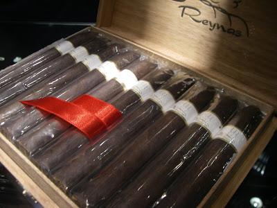 Tres-Reynas-Box
