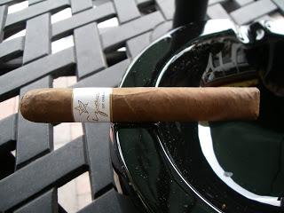 Cigar Review: Azan White Premium by Roberto Duran Cigars