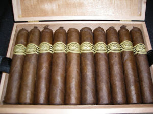News: Elogio Adds Robusto Especial Vitola to Serie LSV and Serie Habano Lines