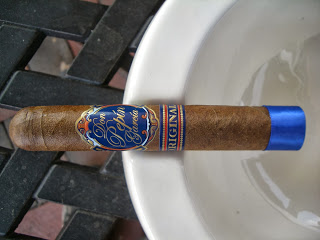 Cigar Review: Don Pepin Garcia Original Invictos (Blue Label)