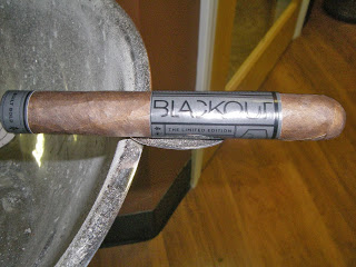 Cigar Review: Camacho Blackout Limited Edition 2013
