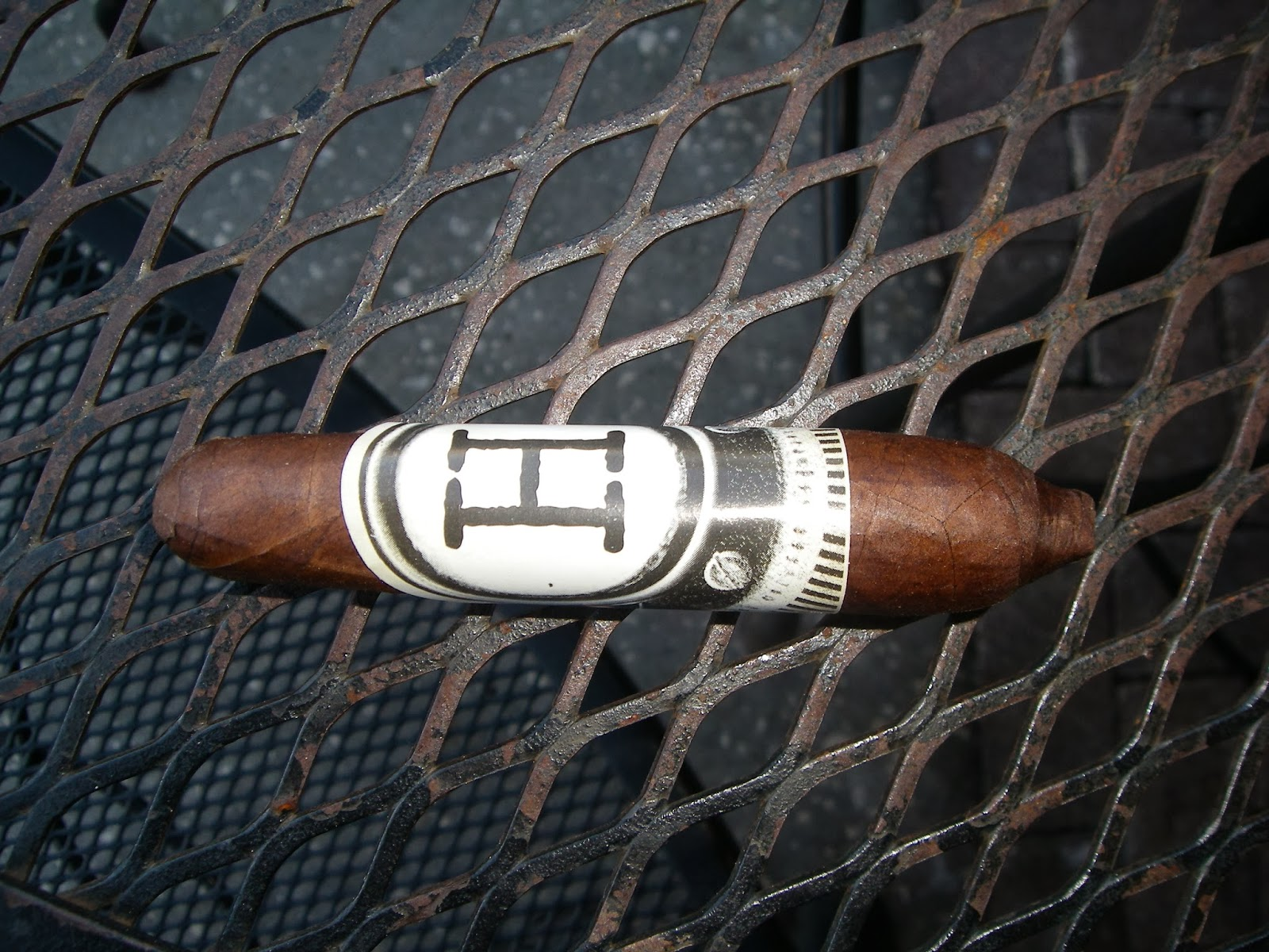 Cigar Review: Foundry H20 – H (Part of Compounds, Elements and Musings)