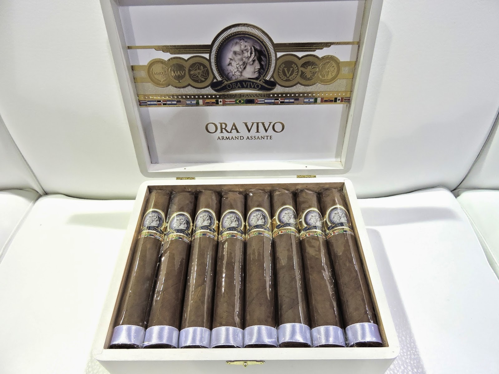 Cigar News: Ora Vivo Armand Assante World Edition by Legacy Brands