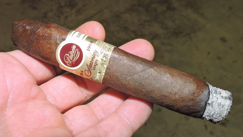 Burn of the Padron 1964 Anniversary Belicosop TAA Exclusivo Maduro