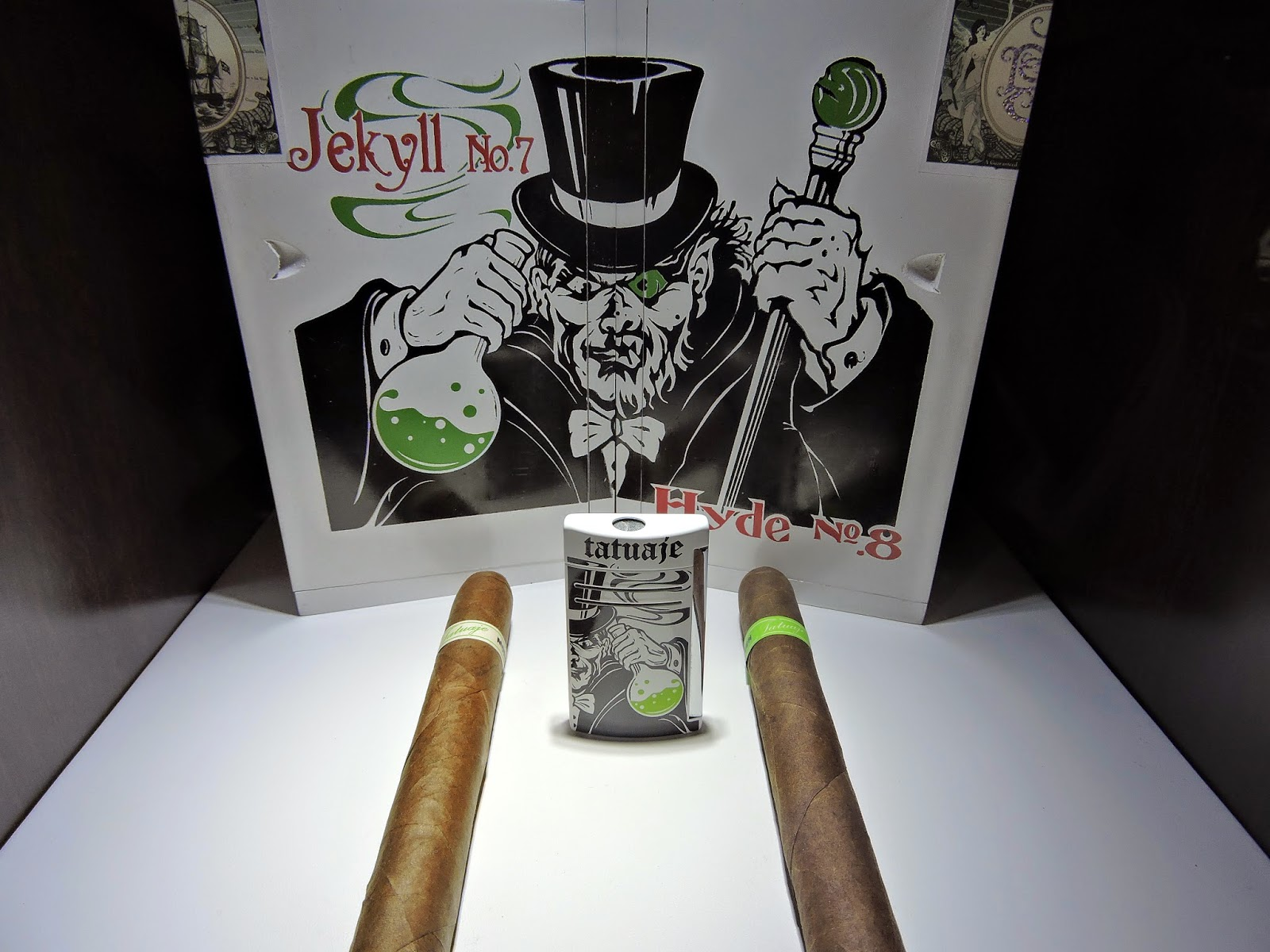 Tatuaje-Jekyll-Tatuaje-Hyde-Dress-Box