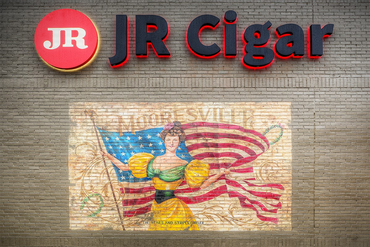 Feature Story: JR Cigar's New Mooresville NC Location Ushers New Era in the Cigar Shop Experience