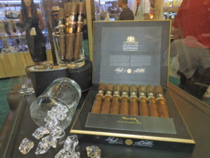 Cigar News: Dunhill Signed Range Selección Suprema Showcased at 2015 IPCPR