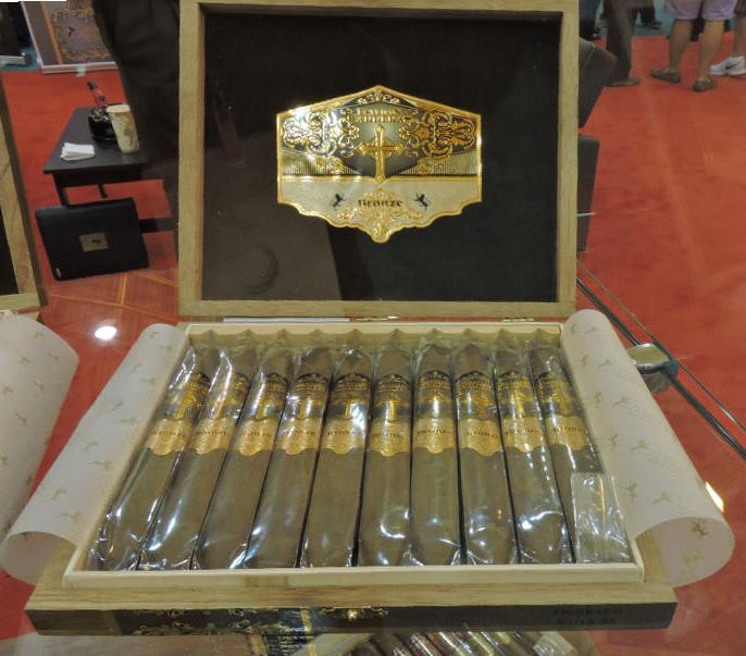 Cigar News: Esteban Carreras Bronze Cross