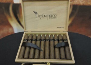 Cigar News: Elogio Launches Excéntrico No 4 Serie Mi Abuelo 2015 at 2015 IPCPR