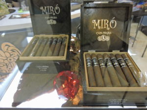 Cigar News: Kuuts Launches Miró Capa Negra at 2015 IPCPR