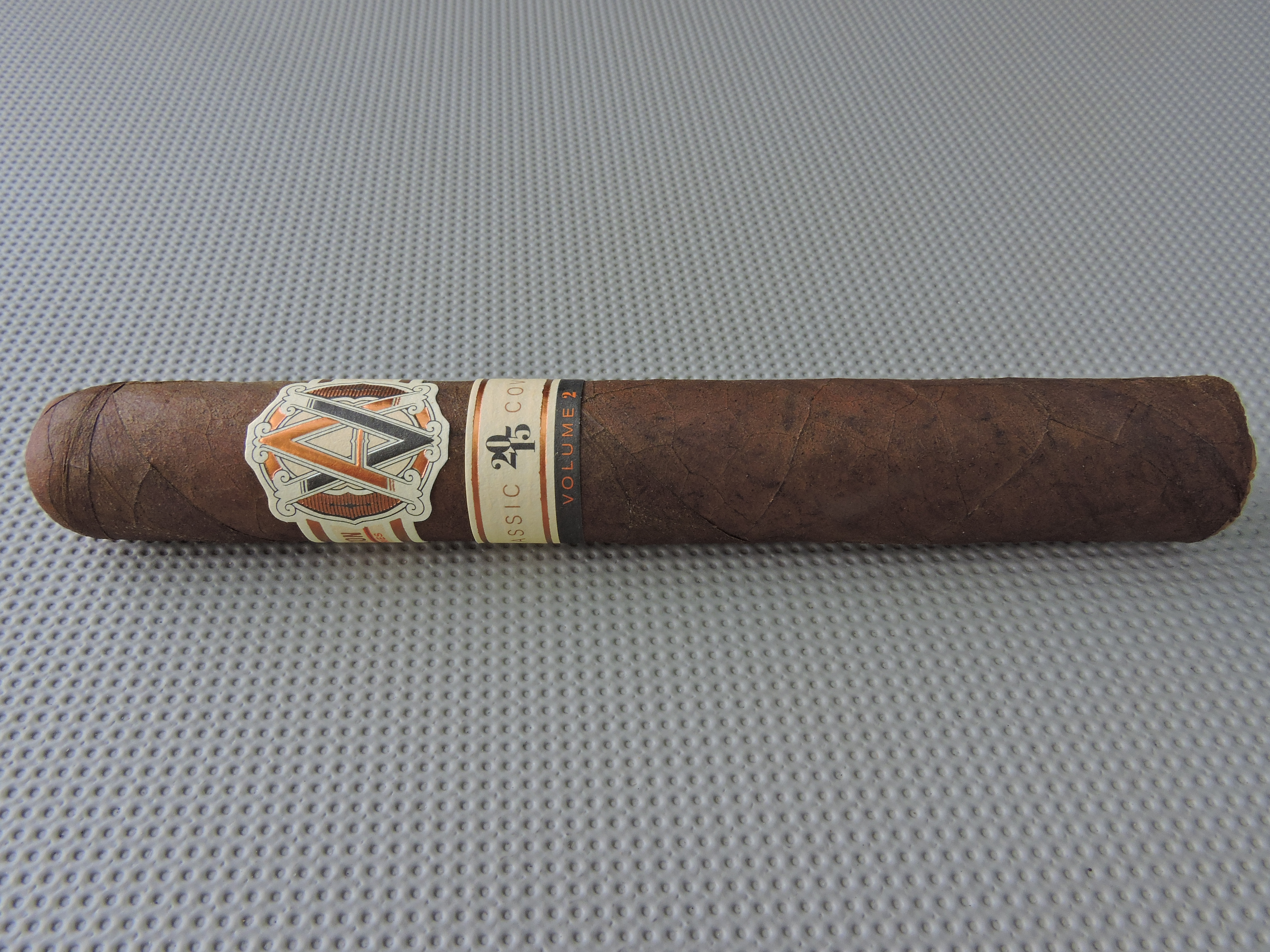 Cigar Review: Avo Classic Covers Volume 2 (Part of the Avo Improvisation Series)