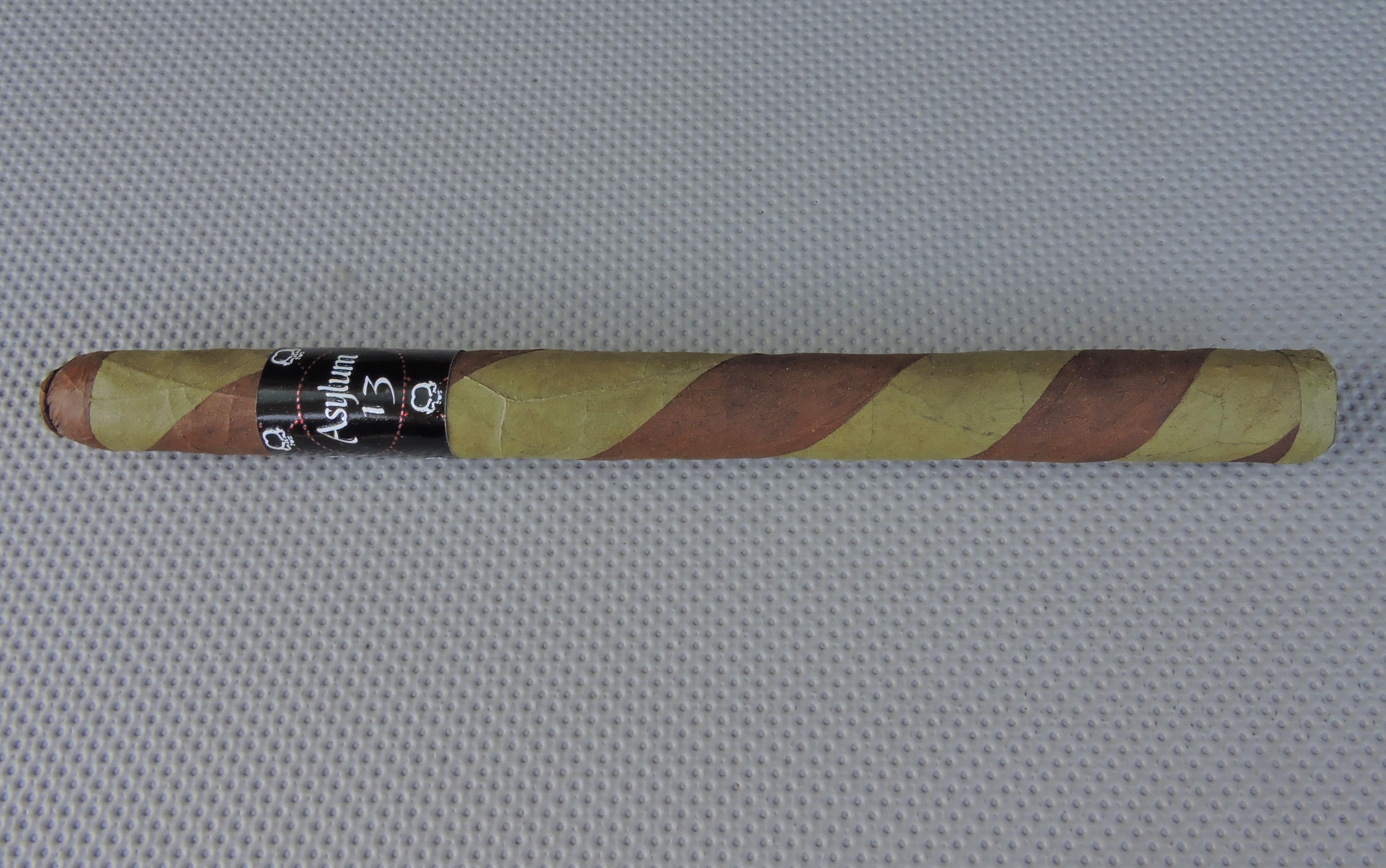 Agile Cigar Review: Asylum 13 Ogre Lancero