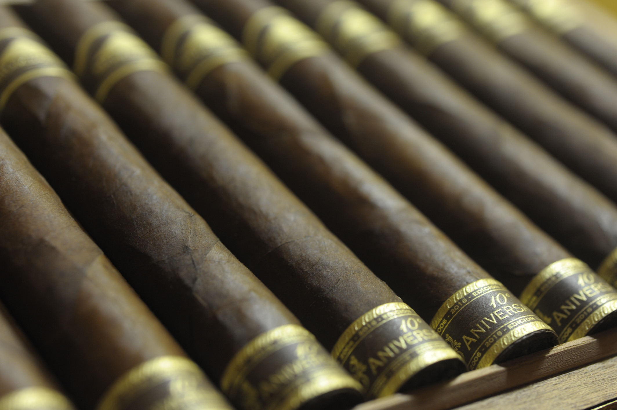 Cigar News: 10th Anniversary Mombacho Magnifico Cigar to be Released at 2016 IPCPR