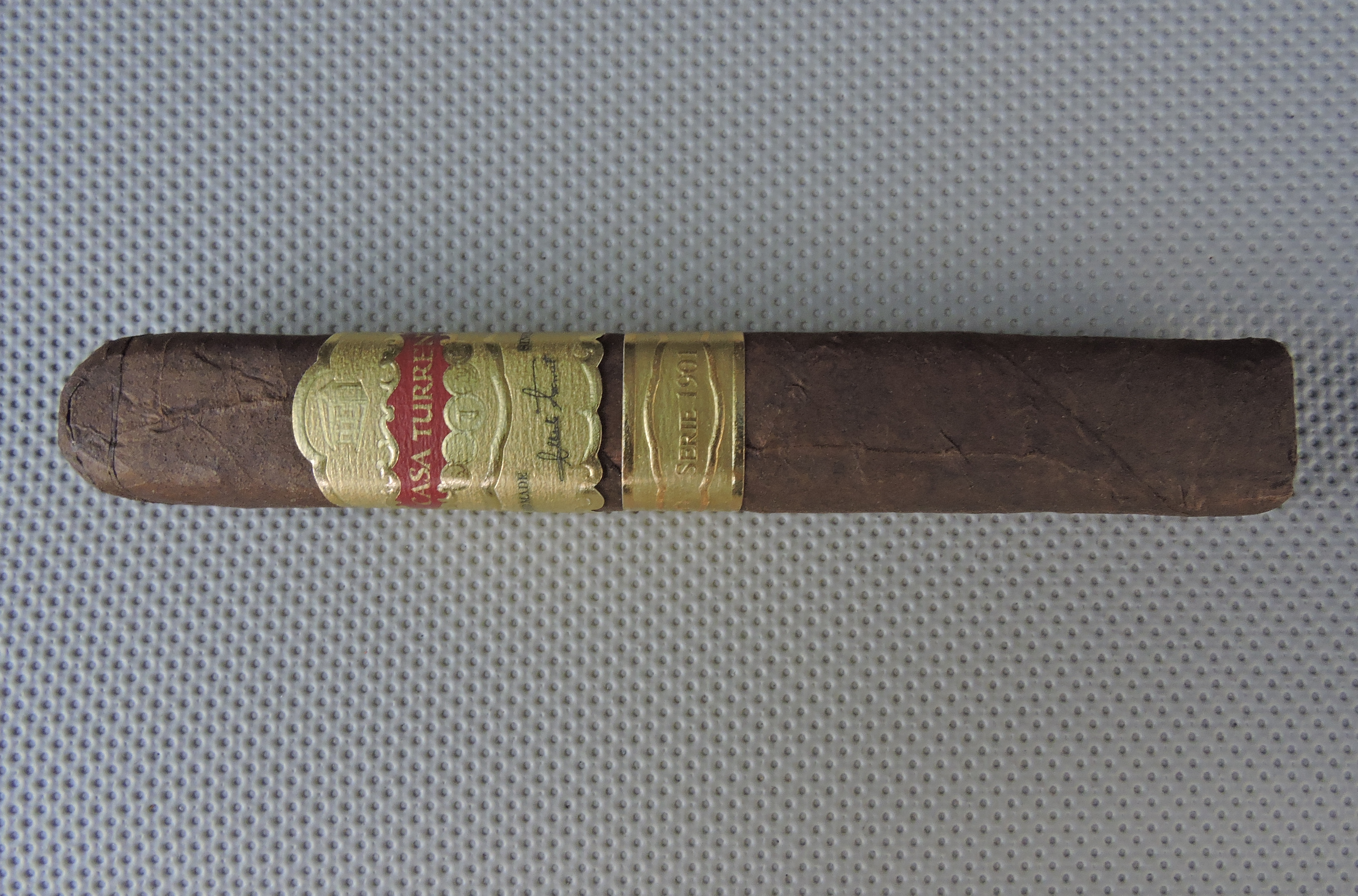 Casa_Turrent_Serie_1901_Gran_Robusto_by_A.Turrent_Cigars