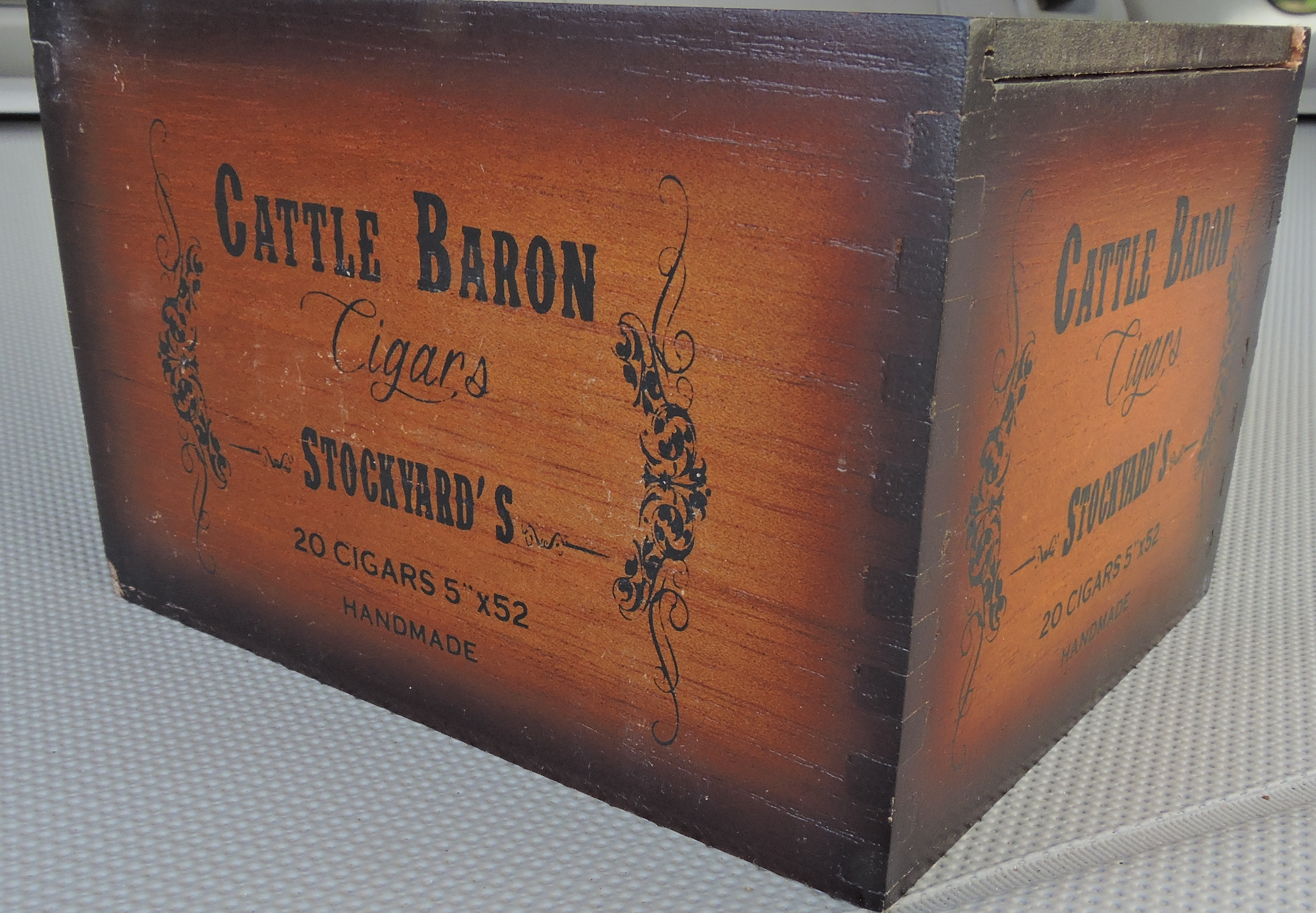 Cattle_Baron_Stockyard's_Box-2