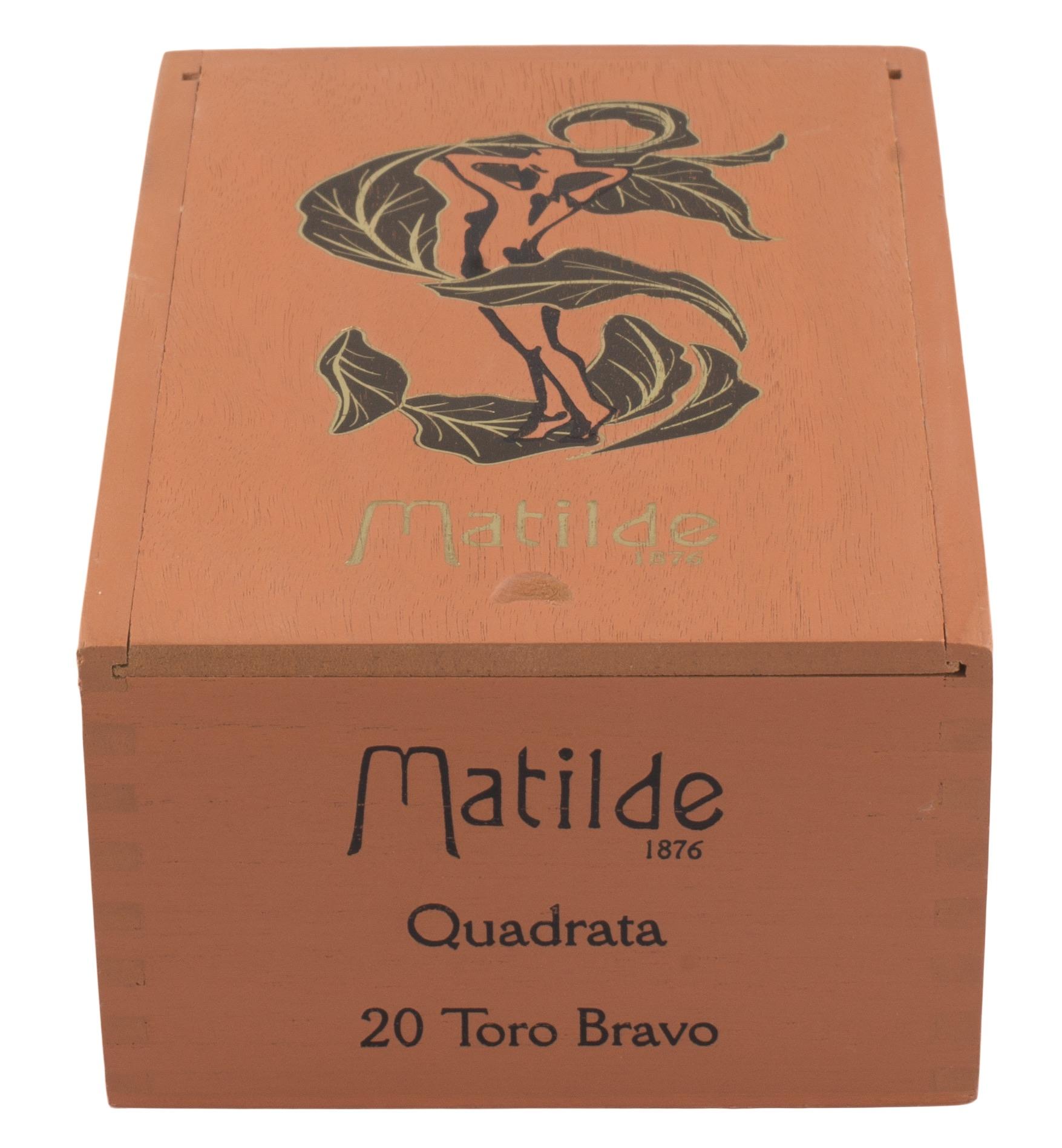 Matilde_Quadrata_Toro_Bravo_Closed_Box_