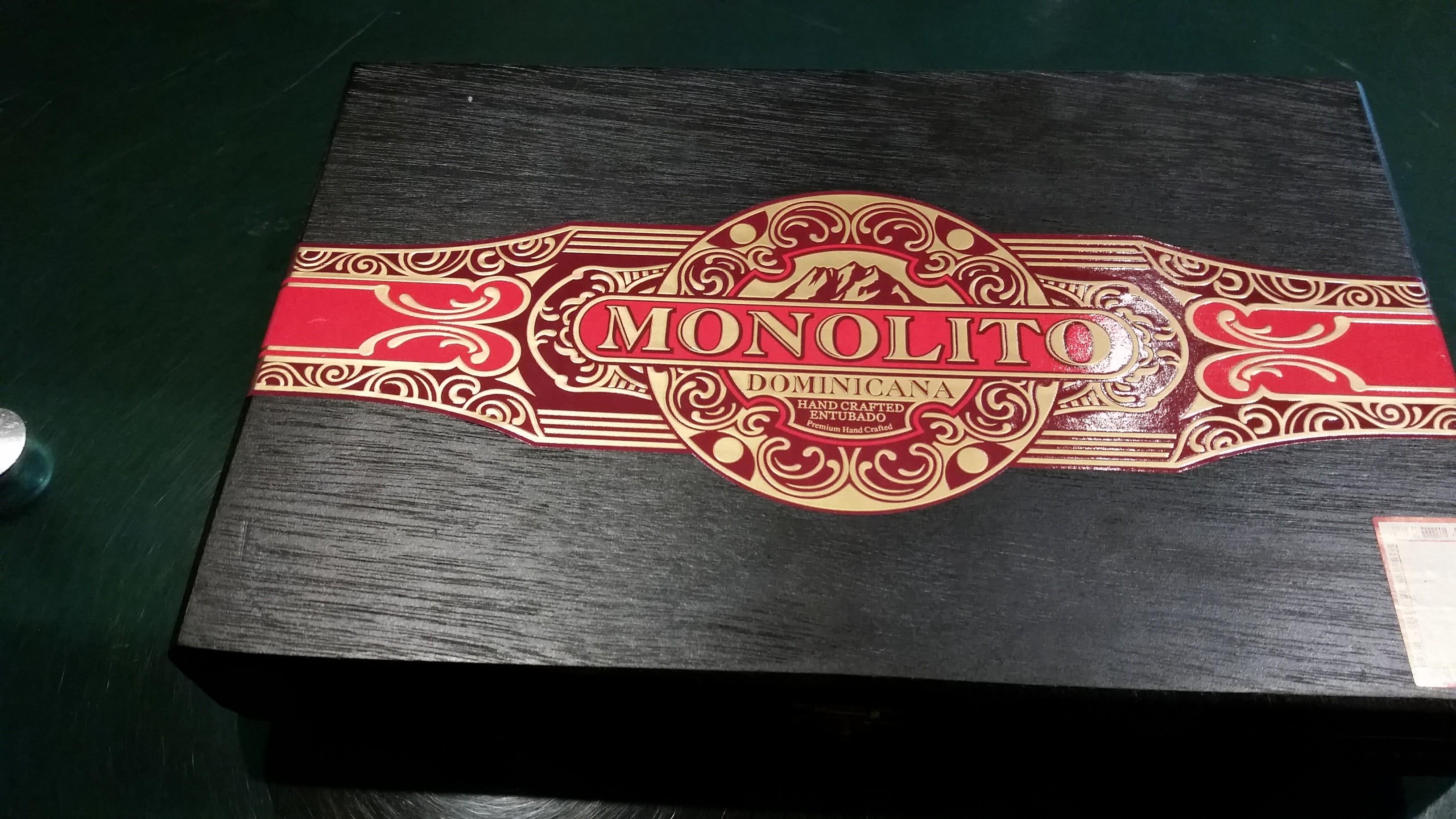 Monolito_Dominicana_Box