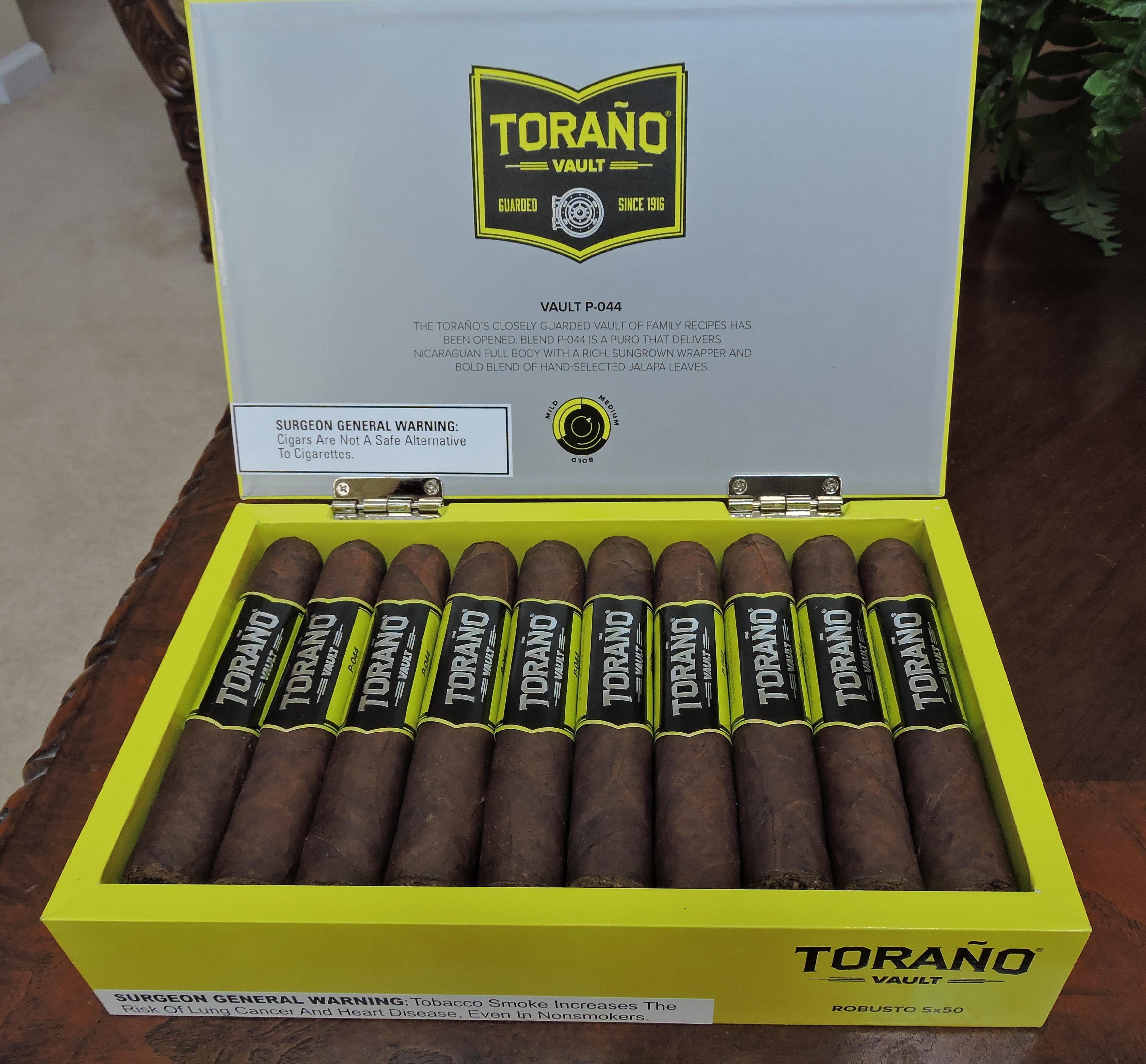 Torano_Vault_P-044_Robusto_BoxJPG