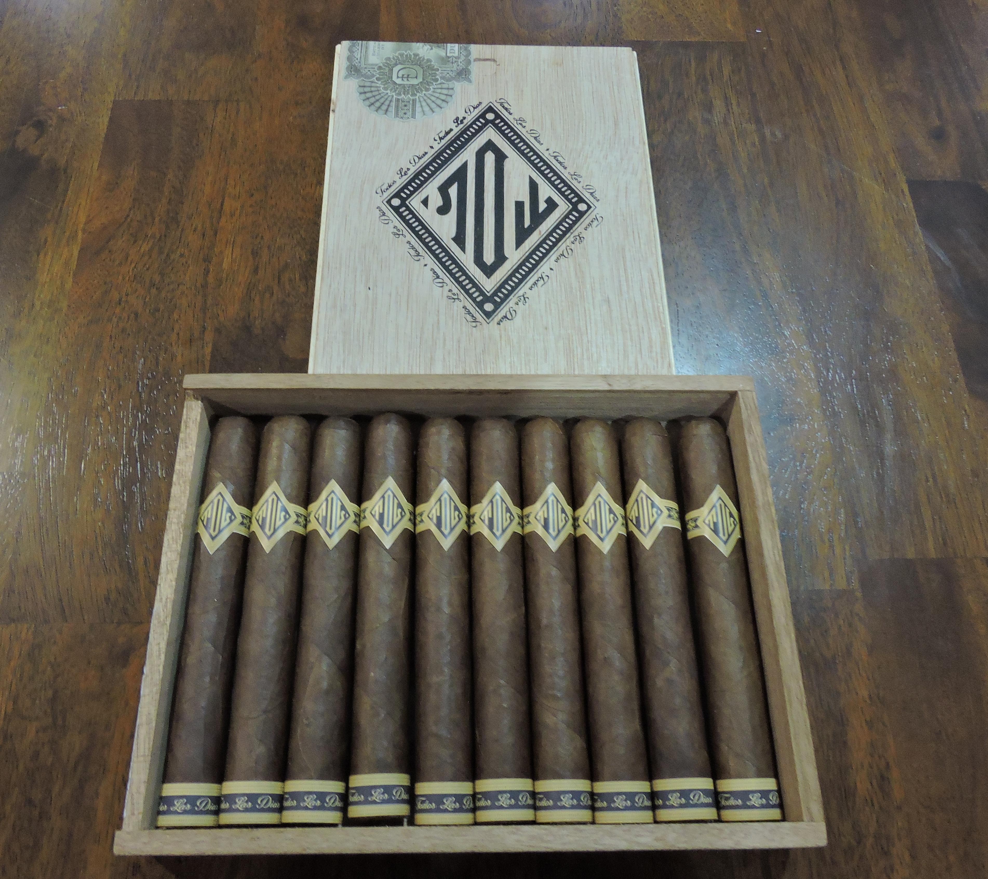 Dunbarton_Tobacco_and_Trust_Todos_Las_Dias