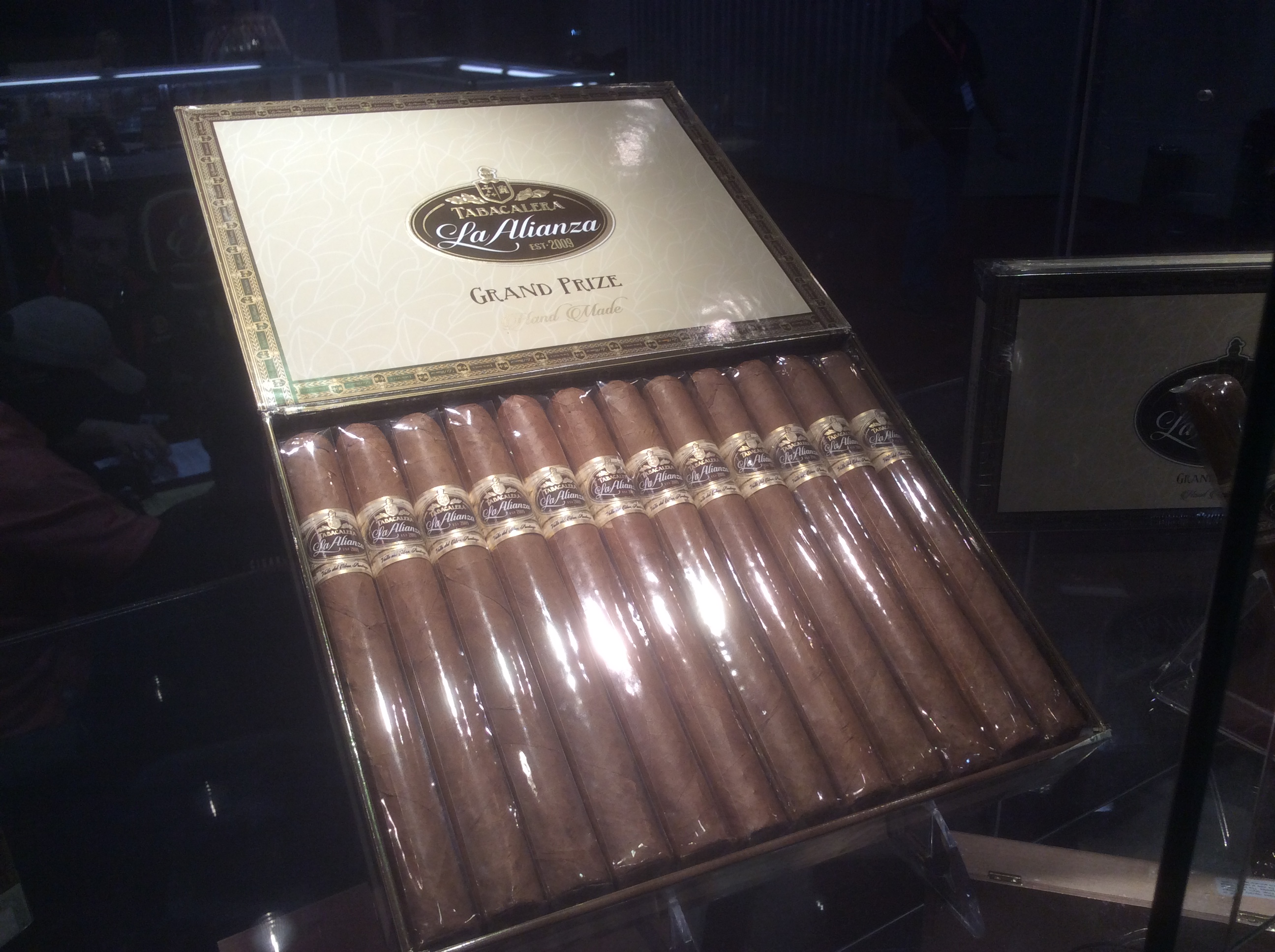 Cigar News: Grand Prize by E.P. Carrillo Makes Debut at 2016 IPCPR Trade Show