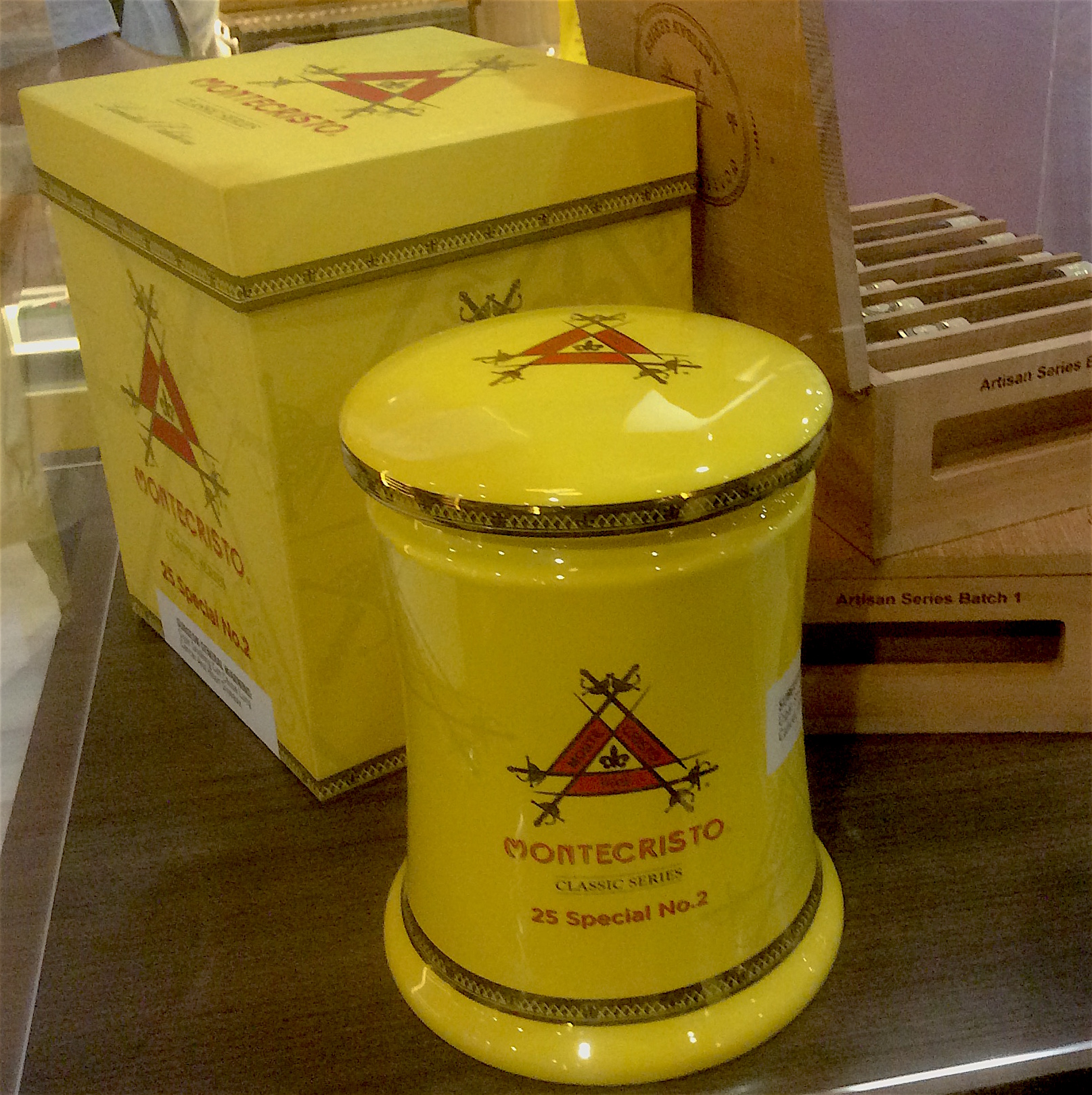 Cigar News: Montecristo Classic Series Special No. 2 Jars Introduced at 2016 IPCPR