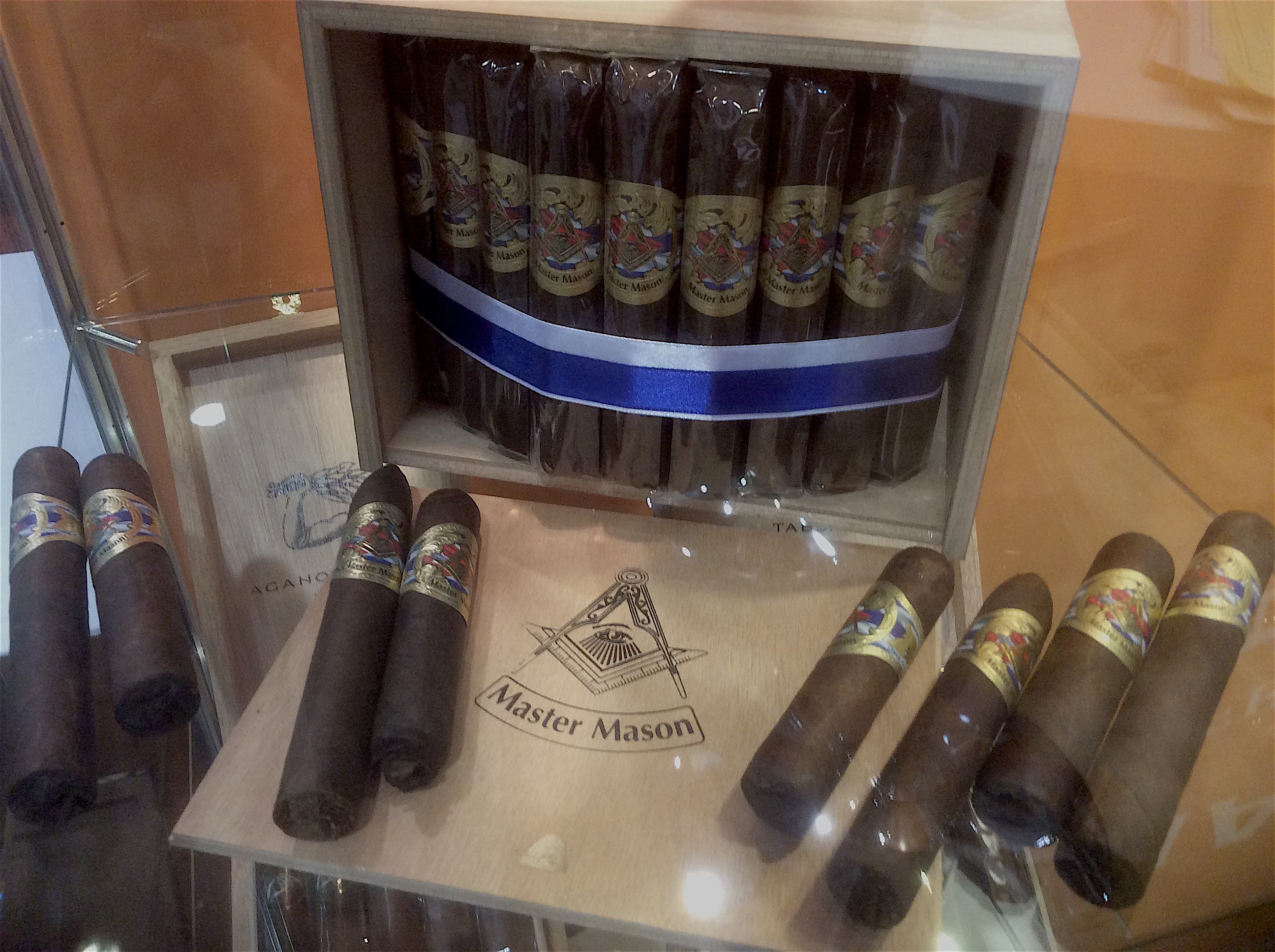 Cigar News: Casa Fernandez Introduces Master Mason at 2016 IPCPR