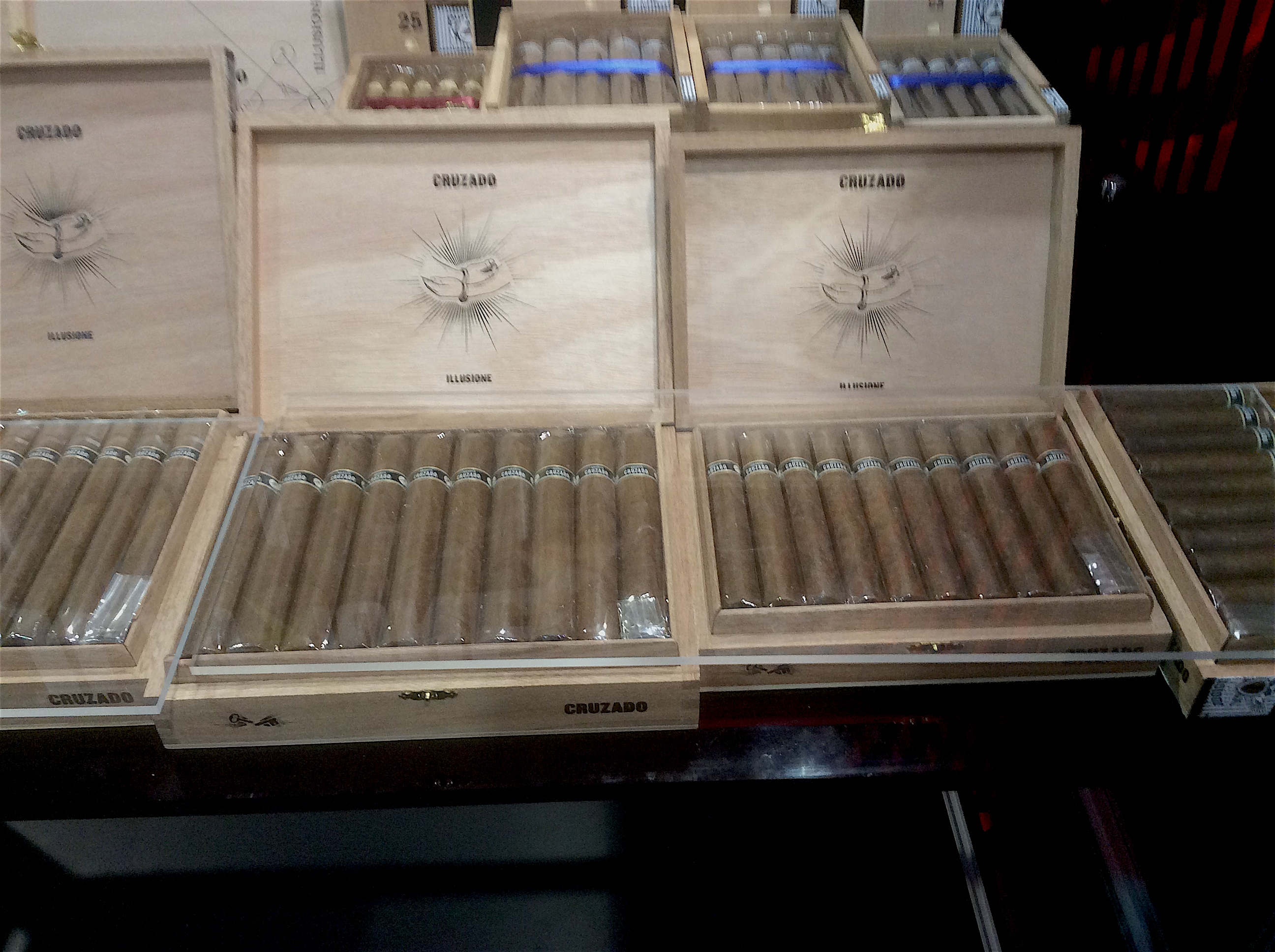 Cigar News: Illusione Introduces Revamped Cruzado Line at 2016 IPCPR