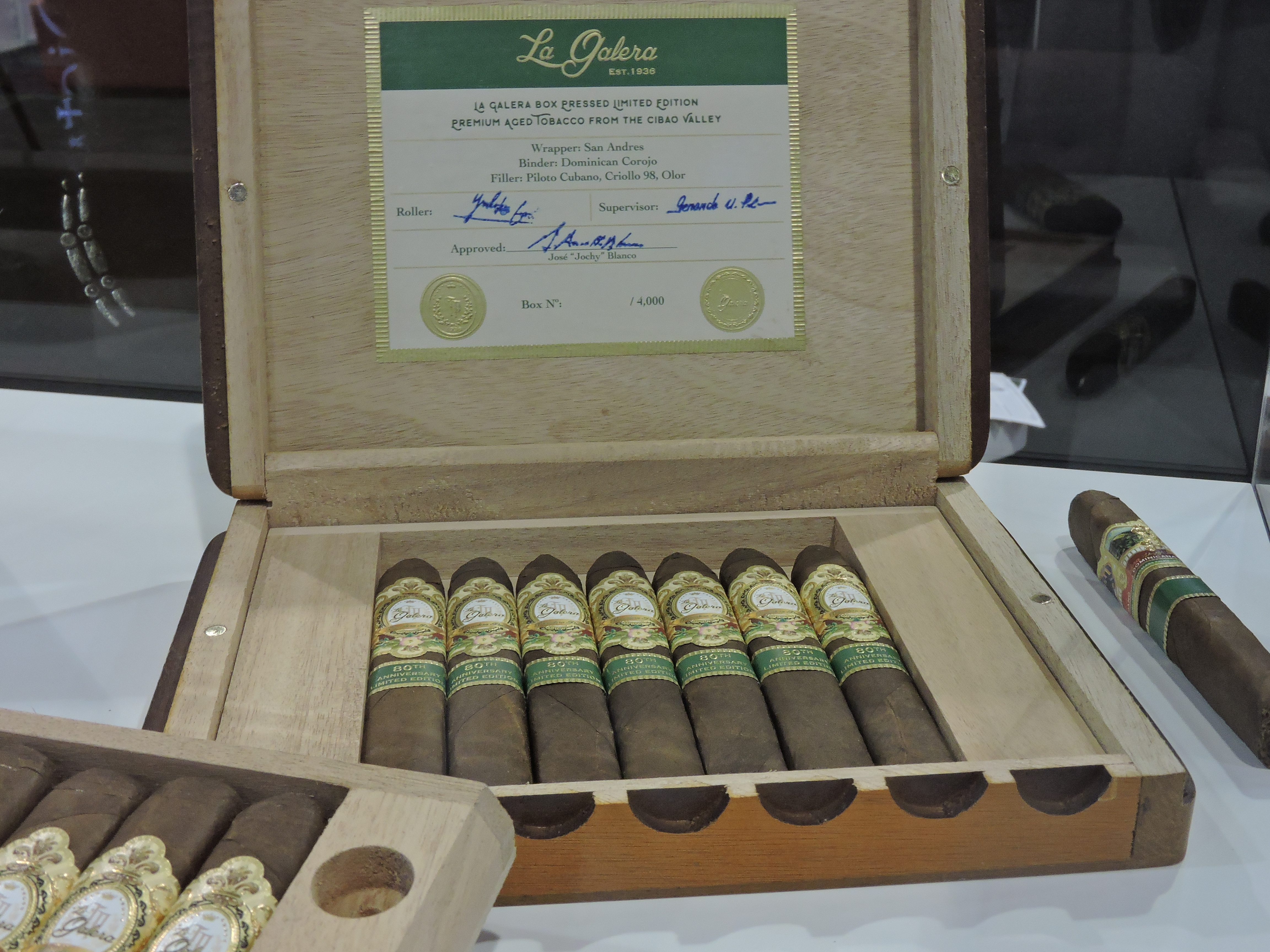 La_Galera_80th_Anniversary_Box_Pressed_Limited_Edition_Cortador