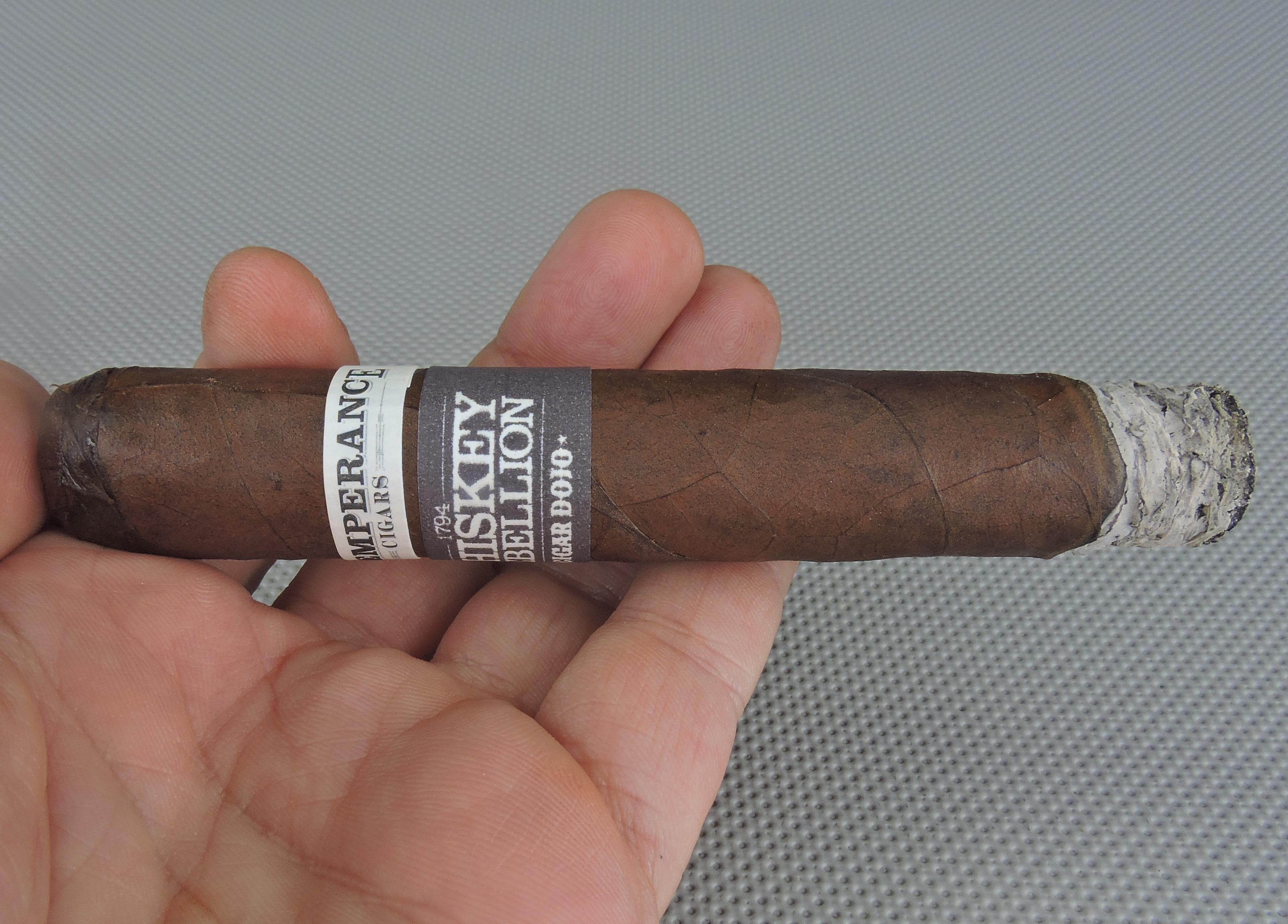 RoMa_Craft_Tobac_Intemperance Whiskey Rebellion_1794_(Cigar_Dojo_Edition)-BurnJPG