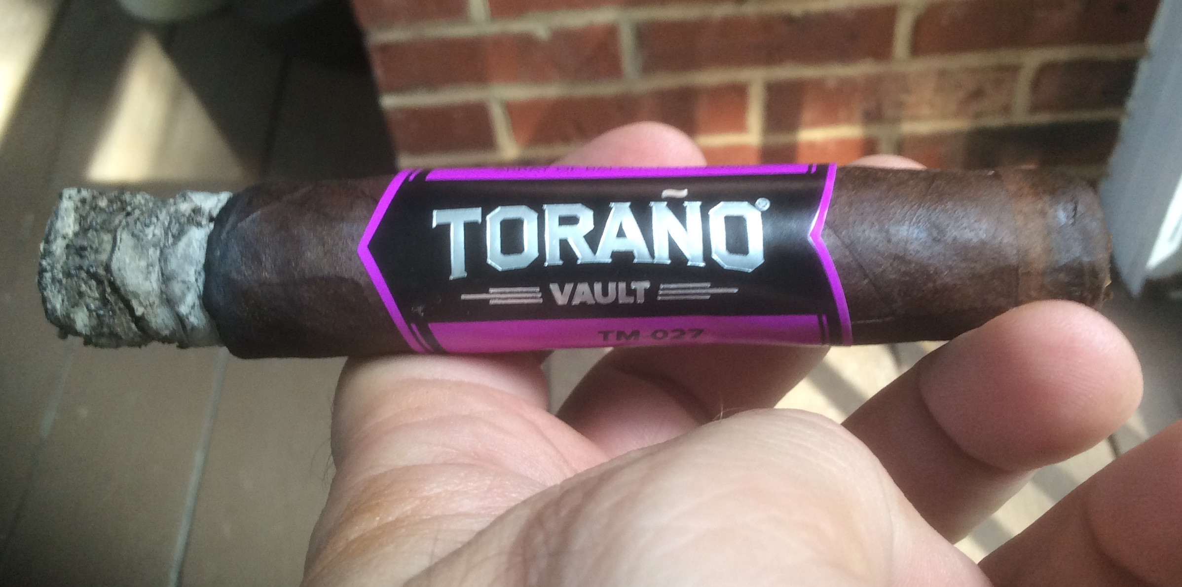 torano_vault_tm-027_robusto-burn