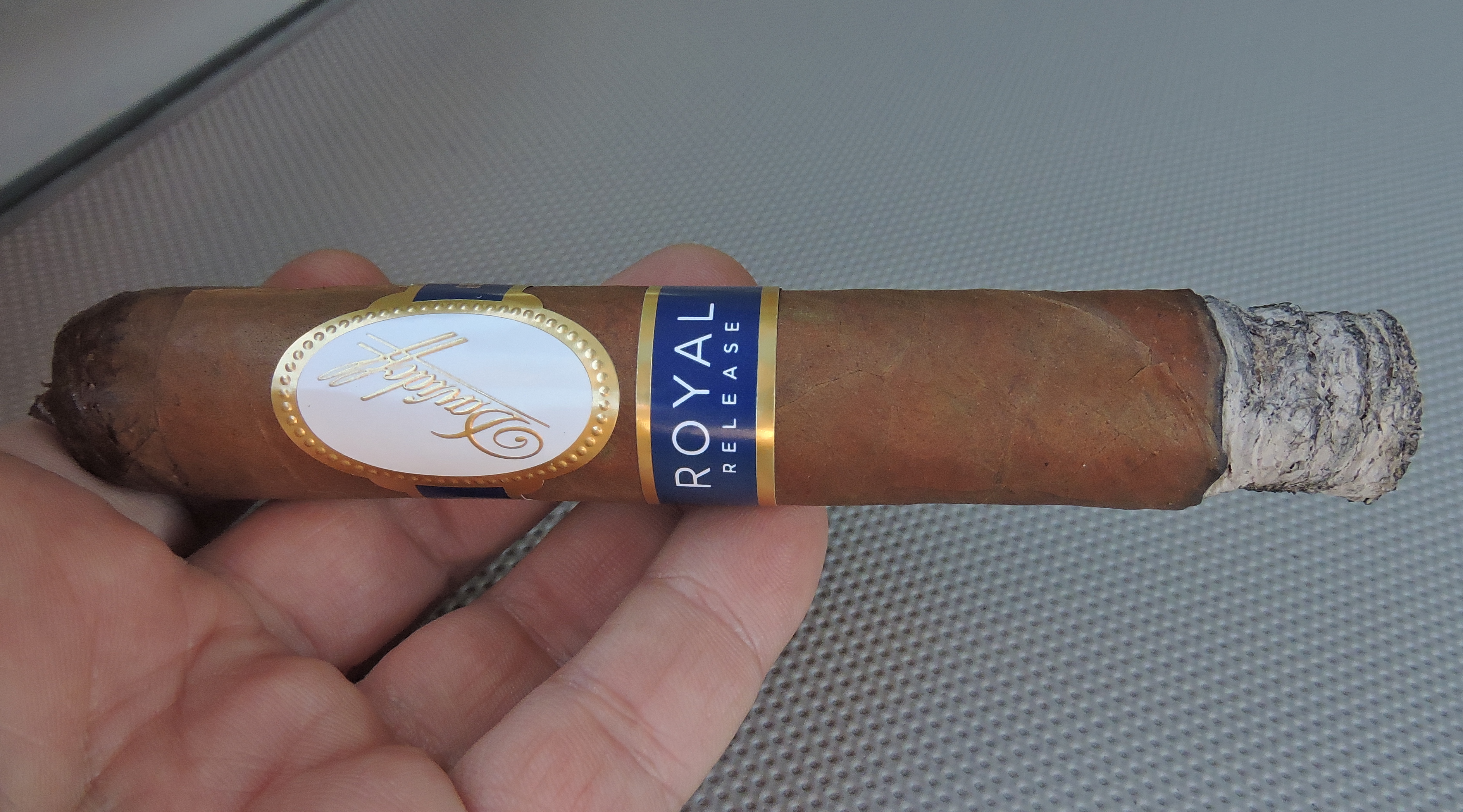 davidoff_royal_release-burn
