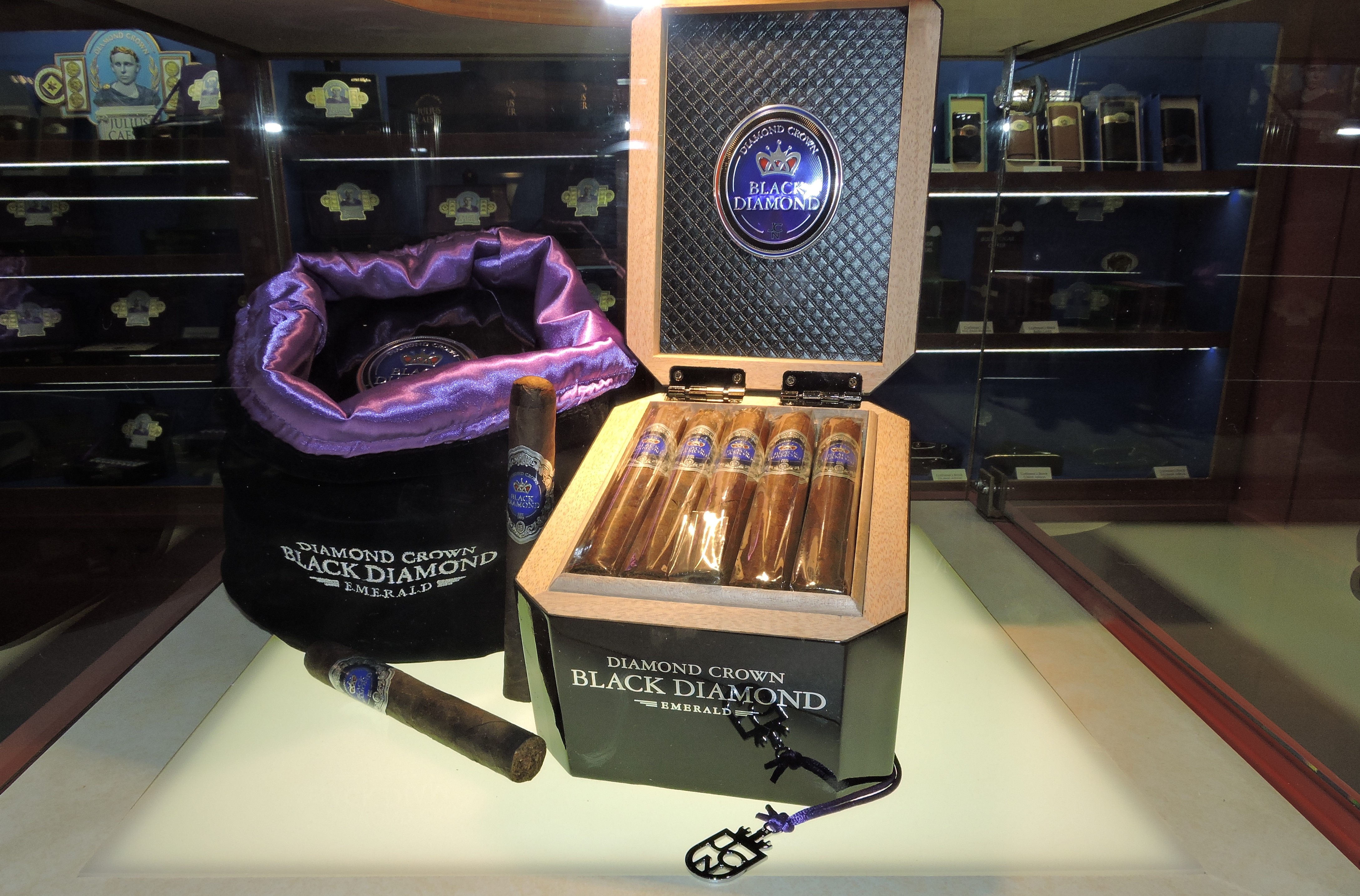 "Cigar News: Diamond Crown Black Diamond Heads for ""Black Friday"" Release"