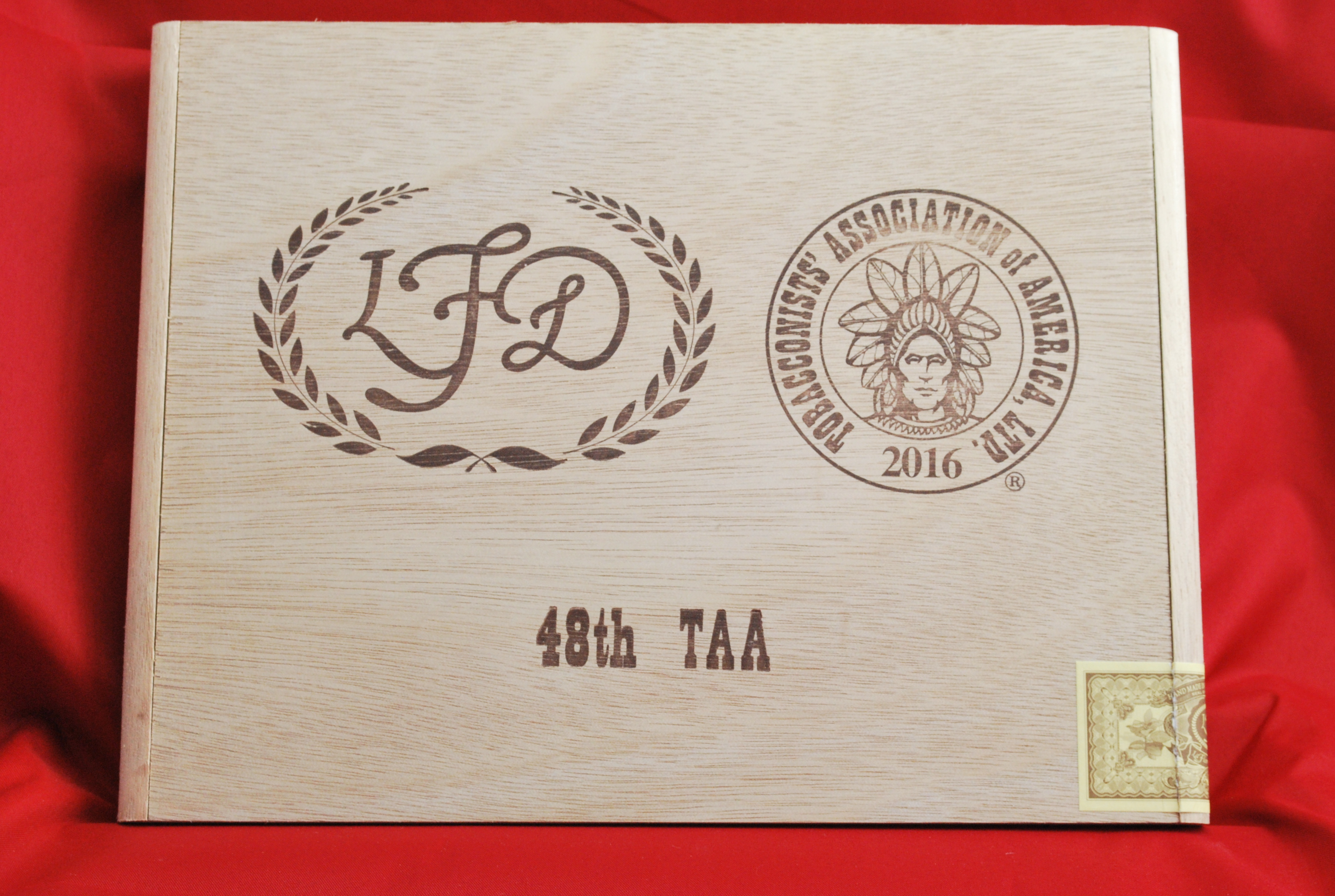 la_flor_dominicana_taa_48_celebration_limited_edition_maduro-closed_box