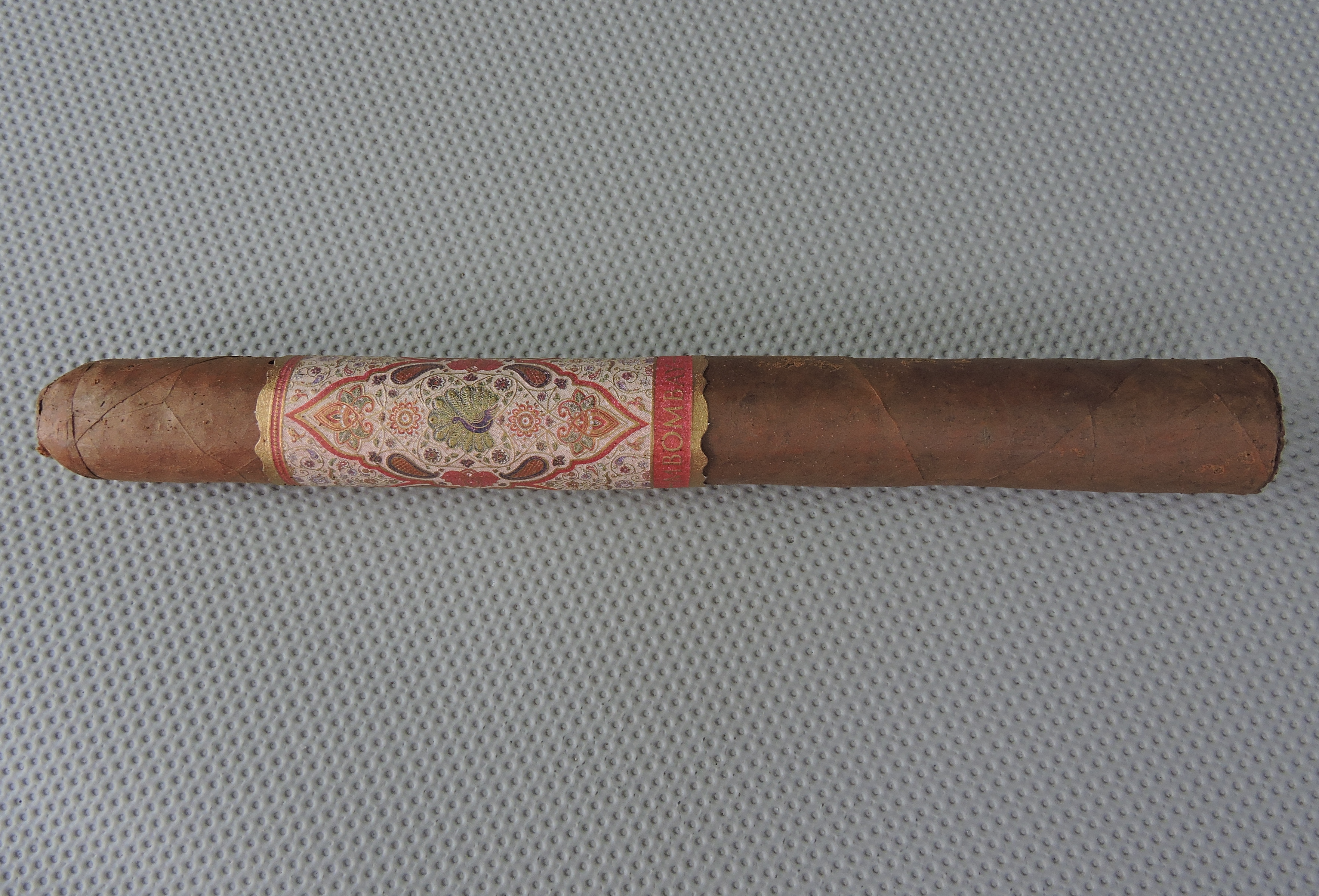 Agile Cigar Review: MBombay Habano Churchill
