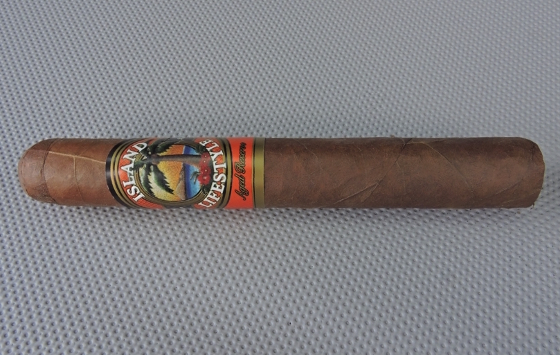 Cigar Review: Island Lifestyle Aged Reserve Sungrown Toro