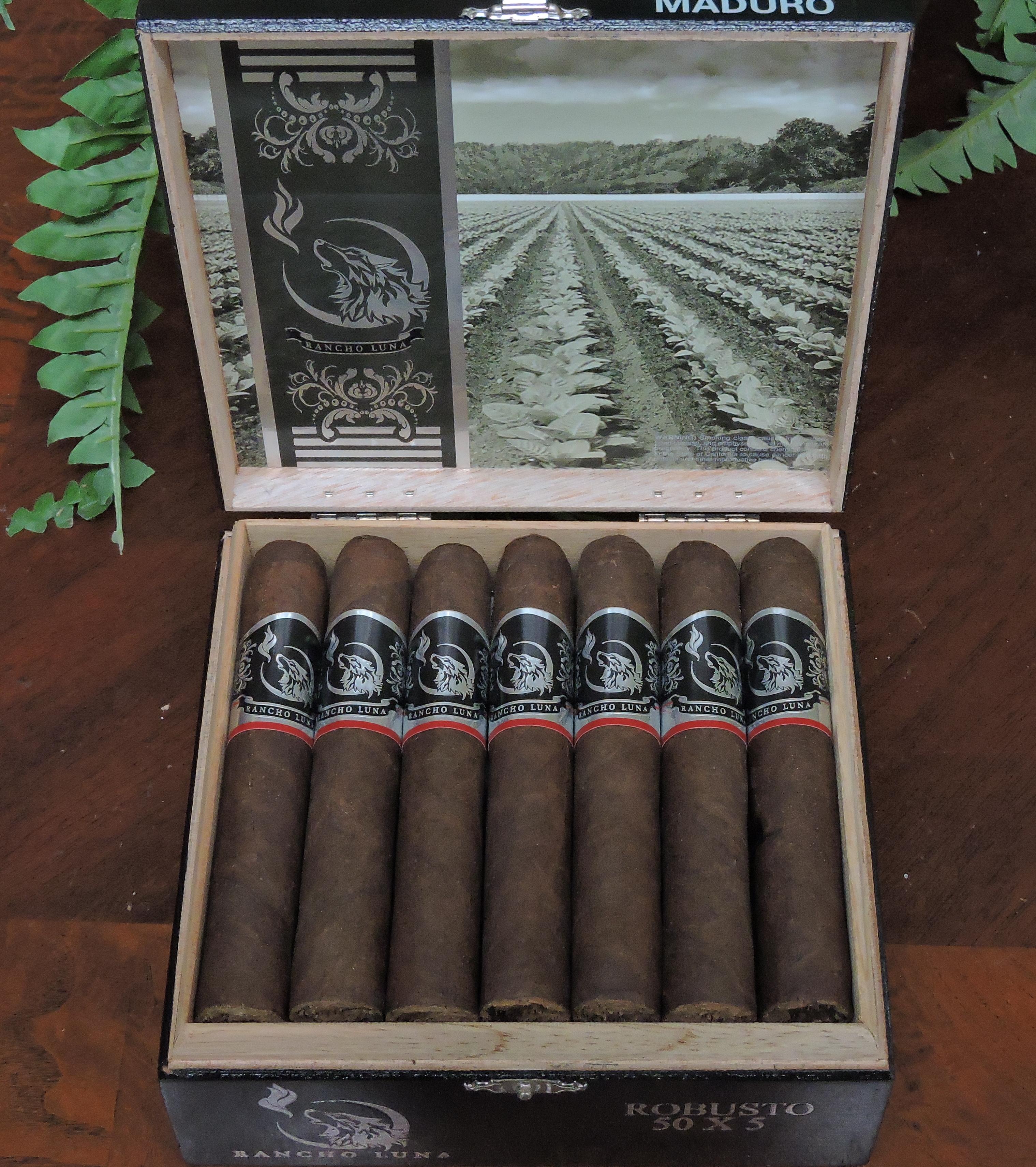 Open Box of the Rancho Luna Maduro Robusto