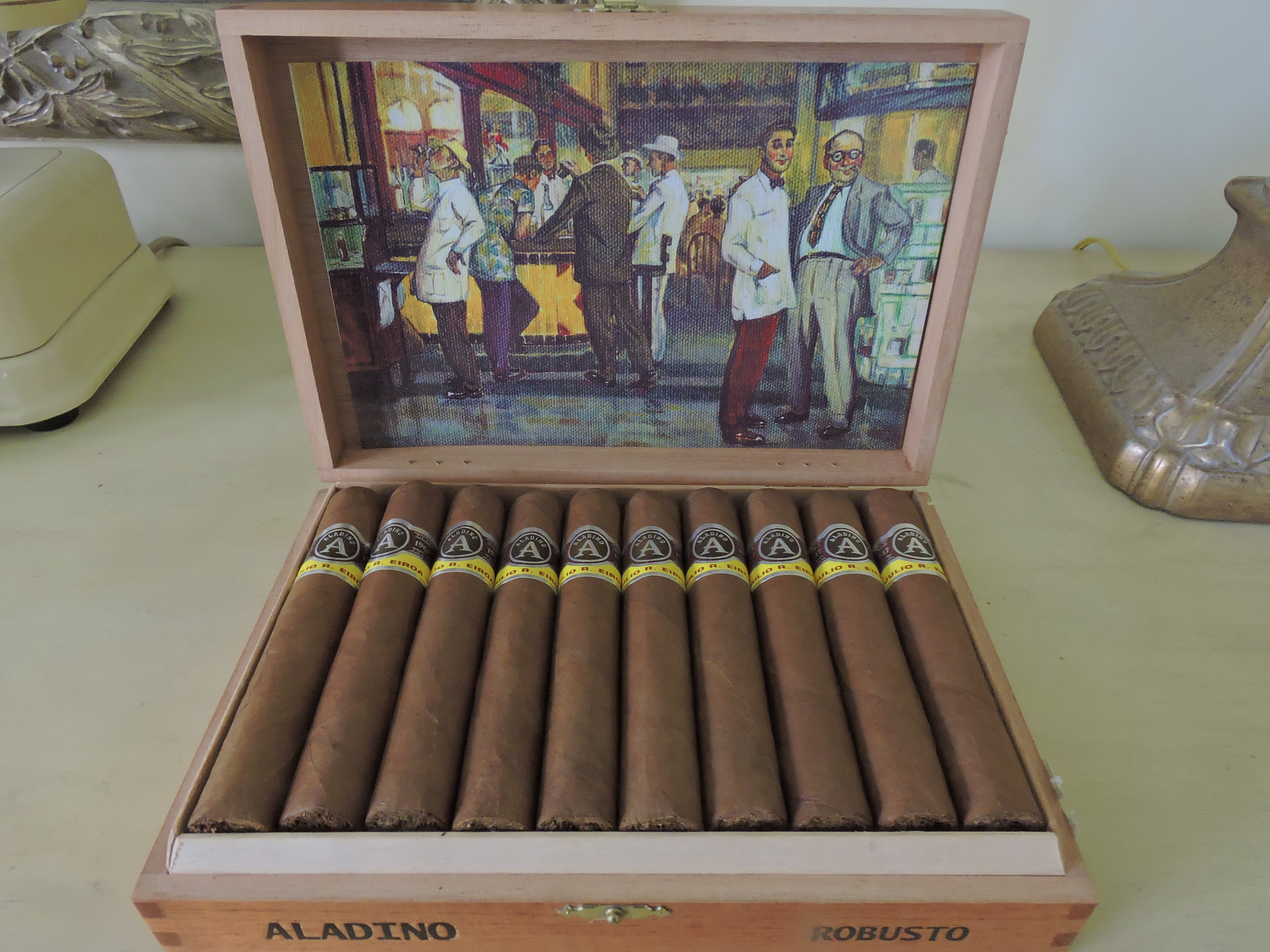 Aladino Robusto Open Box