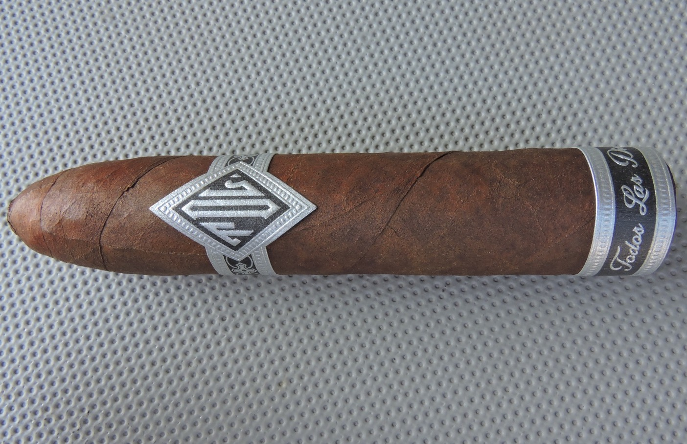 Todos Las Dias Double Wide_Belicoso by Dunbarton Tobacco and Trust