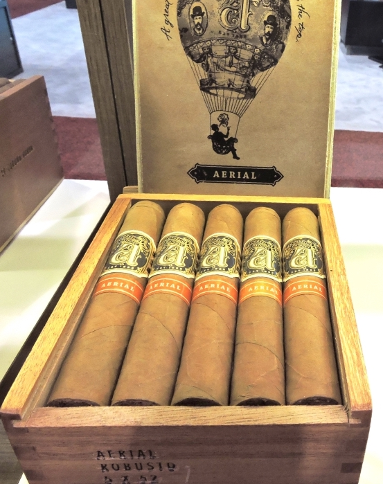 Cornelius & Anthony Aerial Robusto Box