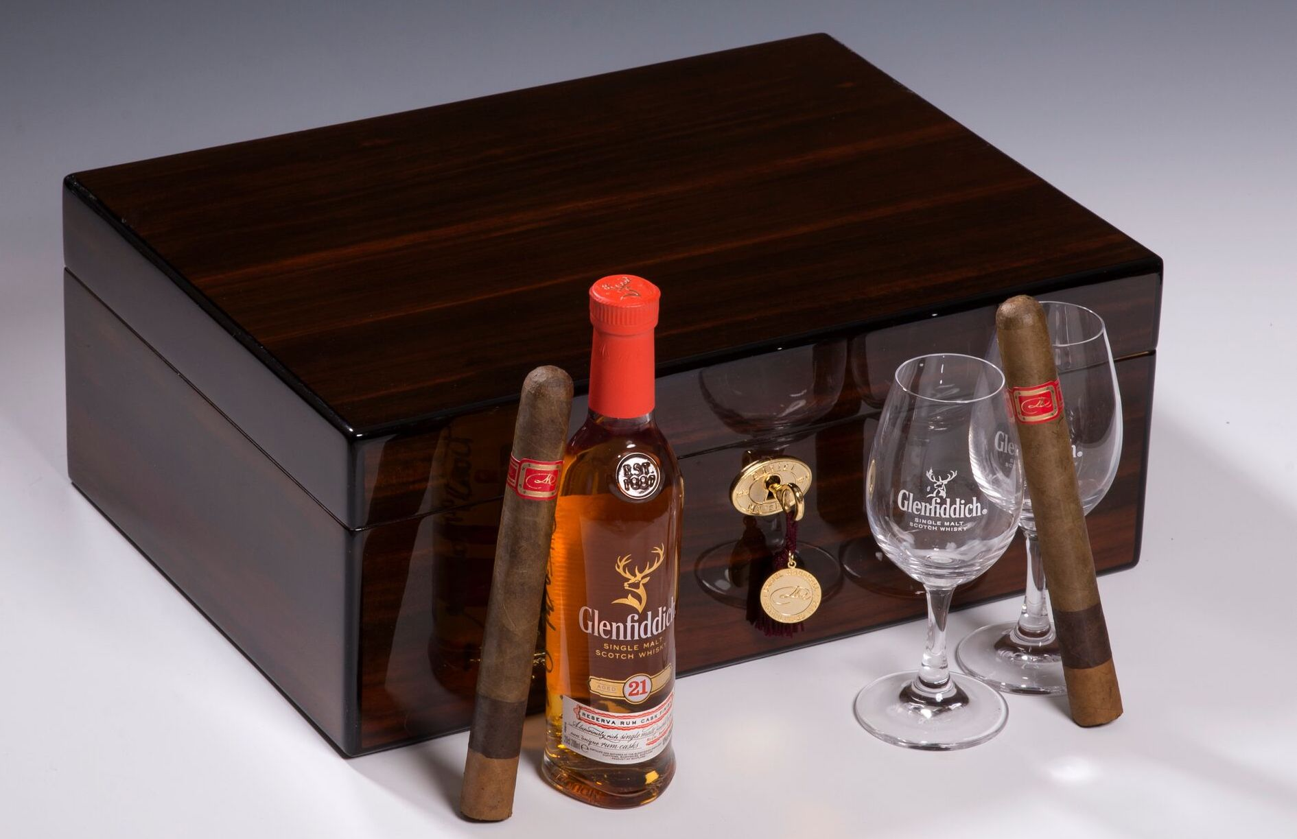 Cigar News: Daniel Marshall Unveils 35th Anniversary Limited Edition Humidor