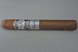 Agile Cigar Review: El Primer Mundo Epifania Toro