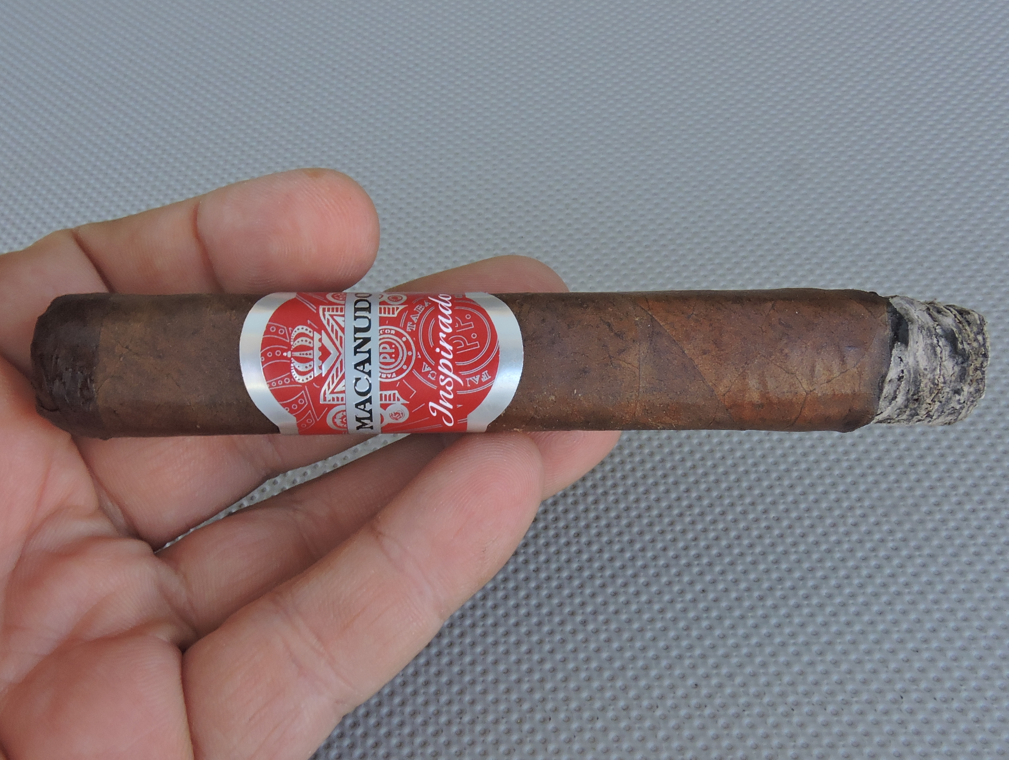 Macanudo Inspirado Red Robusto - Burn