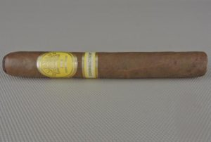 Cigar Review: H. Upmann Connecticut Grupo de Maestros Toro by Altadis U.S.A