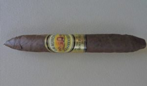Cigar Review: La Aurora Hors D'Age Salomon