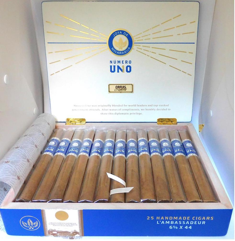 Joya de Nicaragua_Numero Uno_LAmbassadeur-Open Box