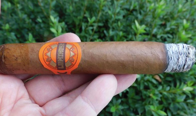 Crowned Heads Luminosa Robusto-Burn