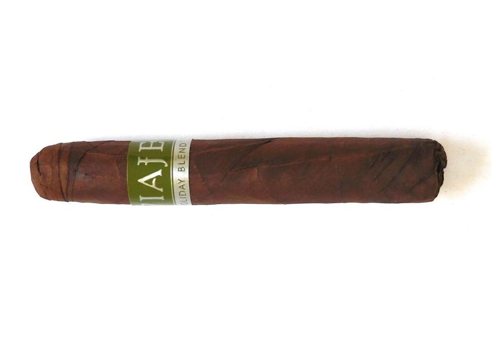 Agile Cigar Review: Viaje Holiday Blend 2019