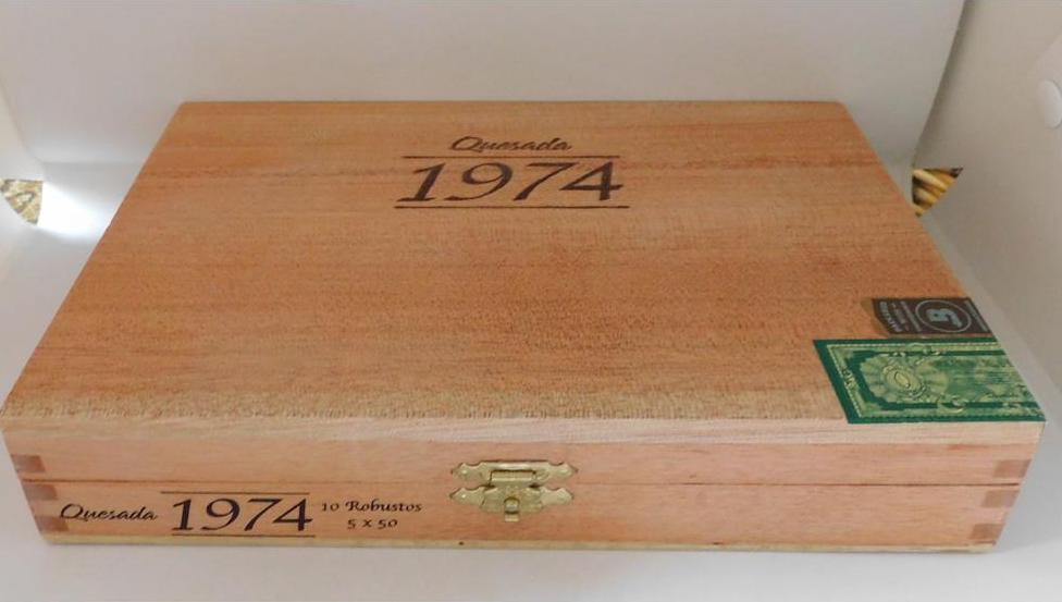Quesada 1974 Robusto Closed Box